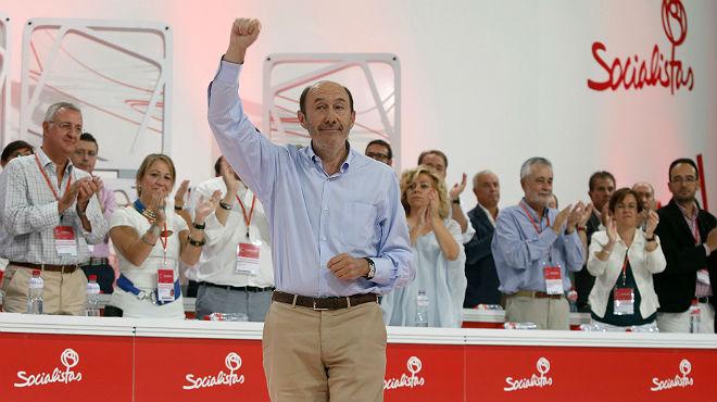 Rubalcaba se despide emocionado de sus compañeros con una gran ovación