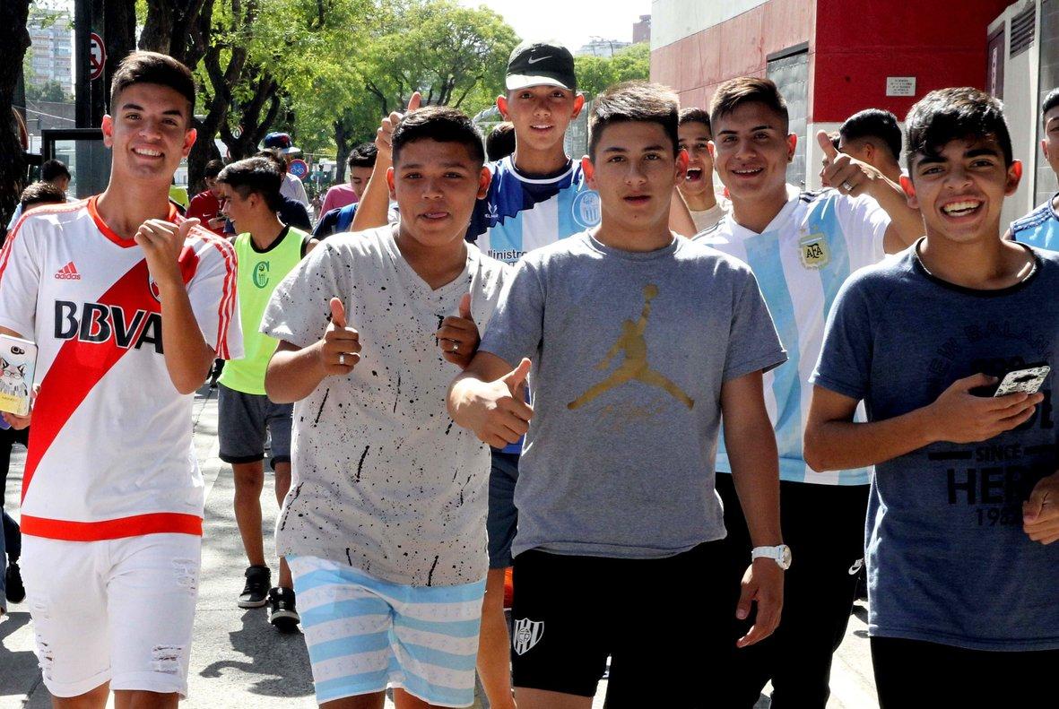 Seguidores de River Plate, por las calles de Buenos Aires.