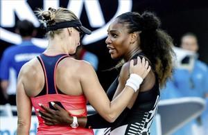 Serena conversa con Lucic-Baroni tras superarla en semifinales