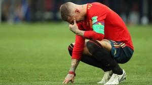 Sergio Ramos llora por la eliminación de la Roja.