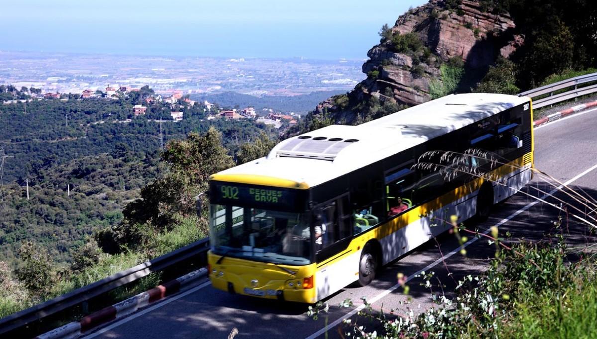 El servicio de bus de la línea 902 entre Gavà y Begues se reforzará a partir del inicio del curso