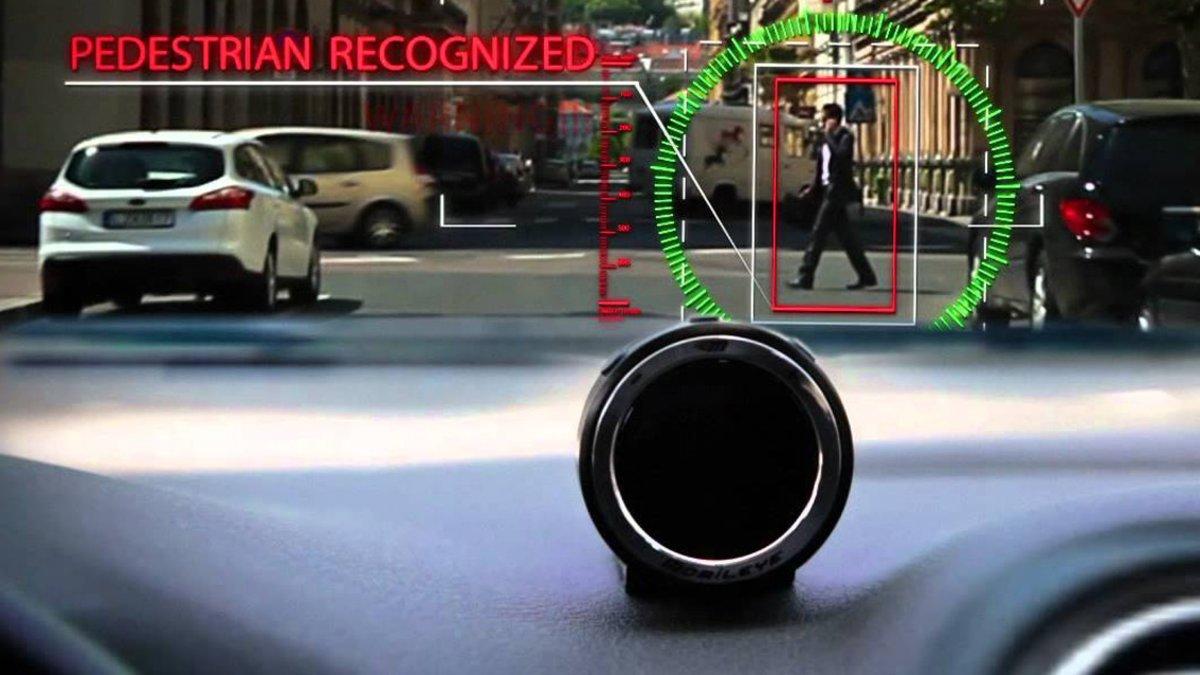 Sistema de reconocimiento de alerta de peatones.