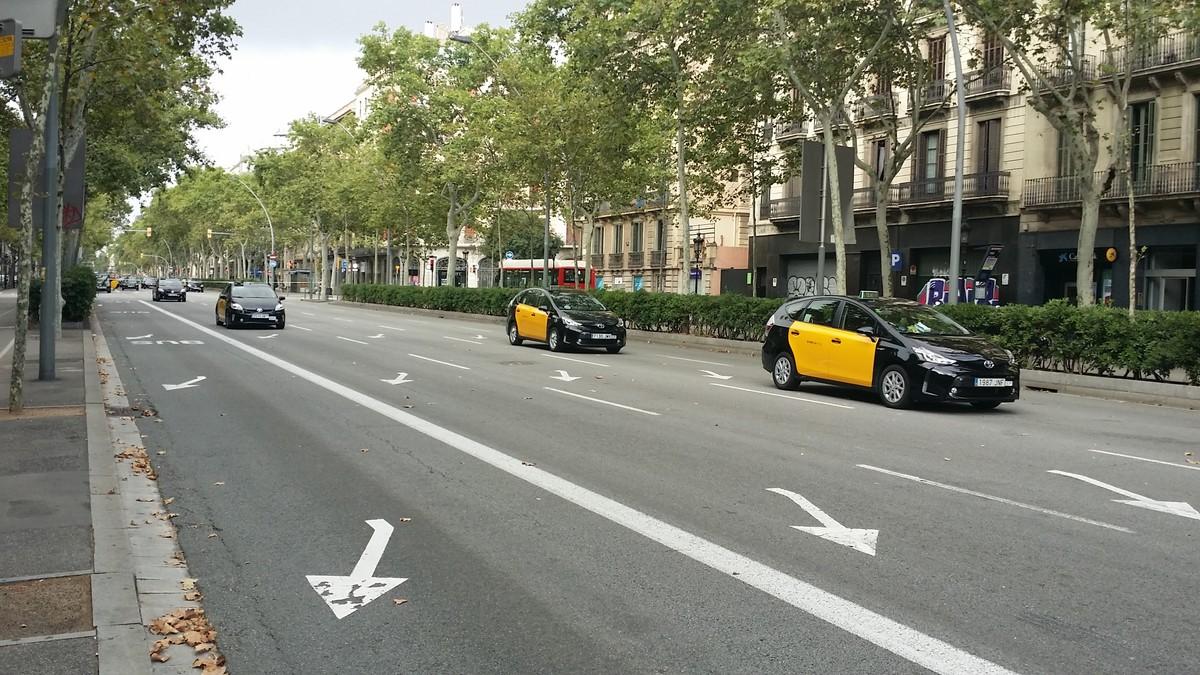 Así ha amanecido la Gran Via esta mañana entre Bailèn y Girona.