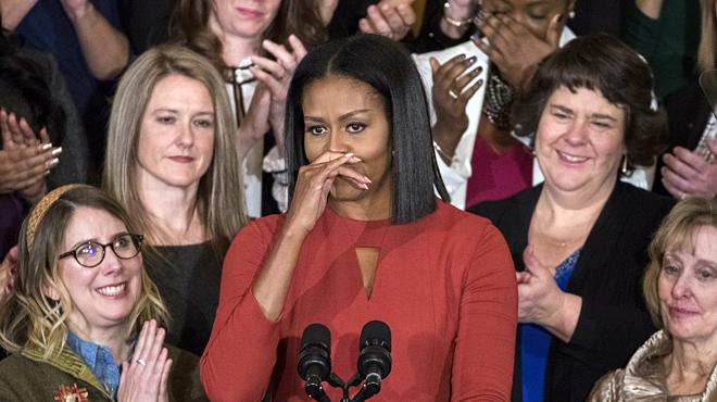 Michelle Obama se emociona en su último discurso como primera dama.