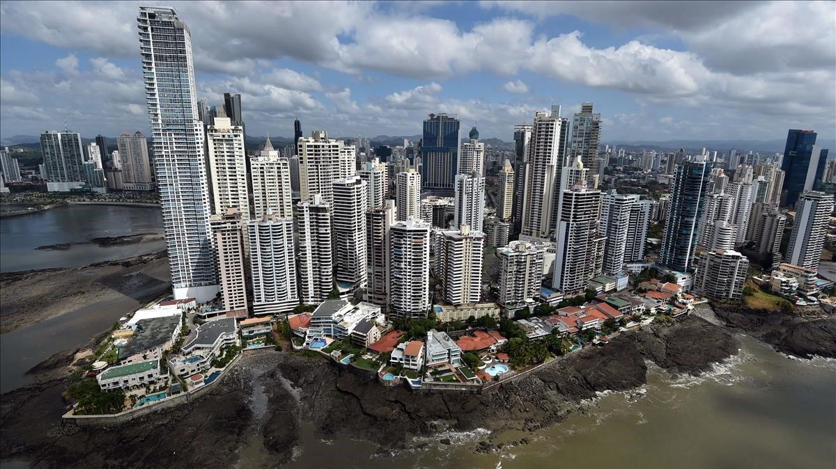 Vista aérea de la bahía de la ciudad de Panamá.