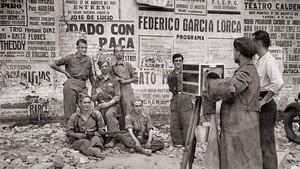 Fotógrafo ambulabte retratando soldados durante la Guerra Civil.