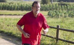 Rajoy se salta el confinament i surt a fer exercici a prop de casa seva