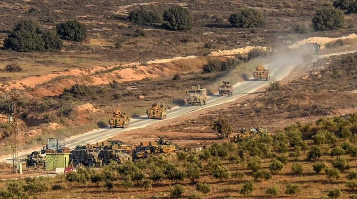 Un convoy militar turco en territorio sirio.