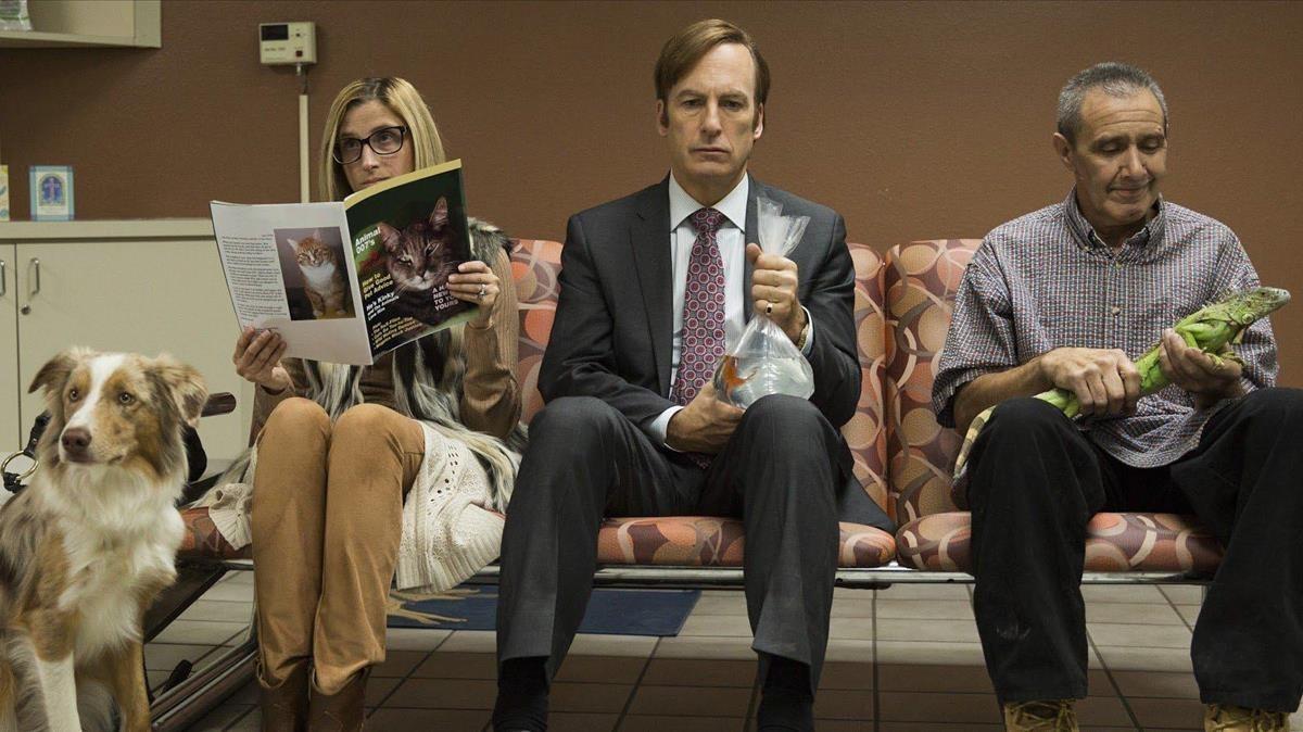 El actor Bob Odenkirk (centro), en la serie Better call Saul.