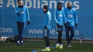 Messi se entrena junto a Rakitic, Dembélé y Arturo Vidal.