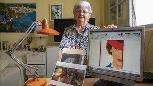 Concha García posa en su estudio con el cartel de Mary Poppins que le encargó Disney