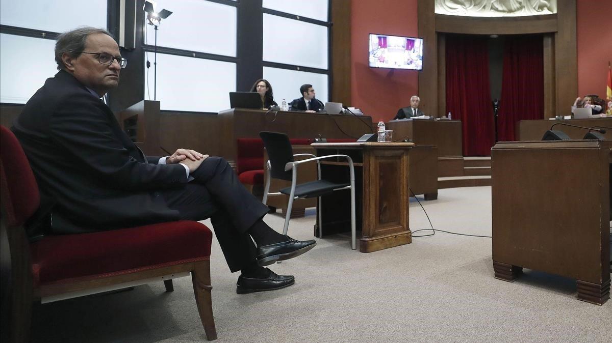 Torra, en el banquillo de los acusados del Tribunal Superior de Justicia de Catalunya.