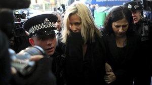 Caroline Flack llega al juzgado por el caso de la agresión a su novio, en diciembre pasado.