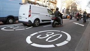 Totes les vies secundàries de Barcelona seran zona 30 a partir de l'1 de març