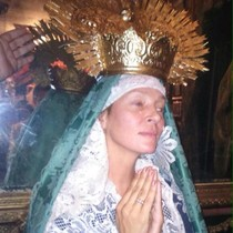 Uma, de asesina a Dolorosa en Sevilla