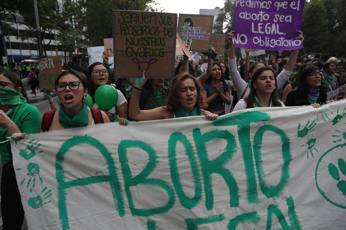 Manifestación en México a favor de la despenalización del aborto.
