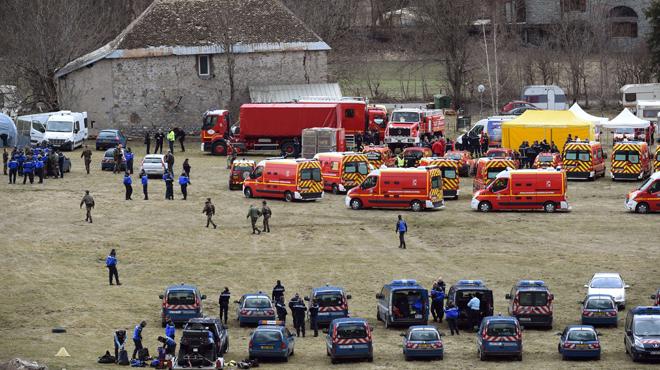 """El president de Lufthansa dóna el """"condol"""" a familiars i amics dels passatgers"""