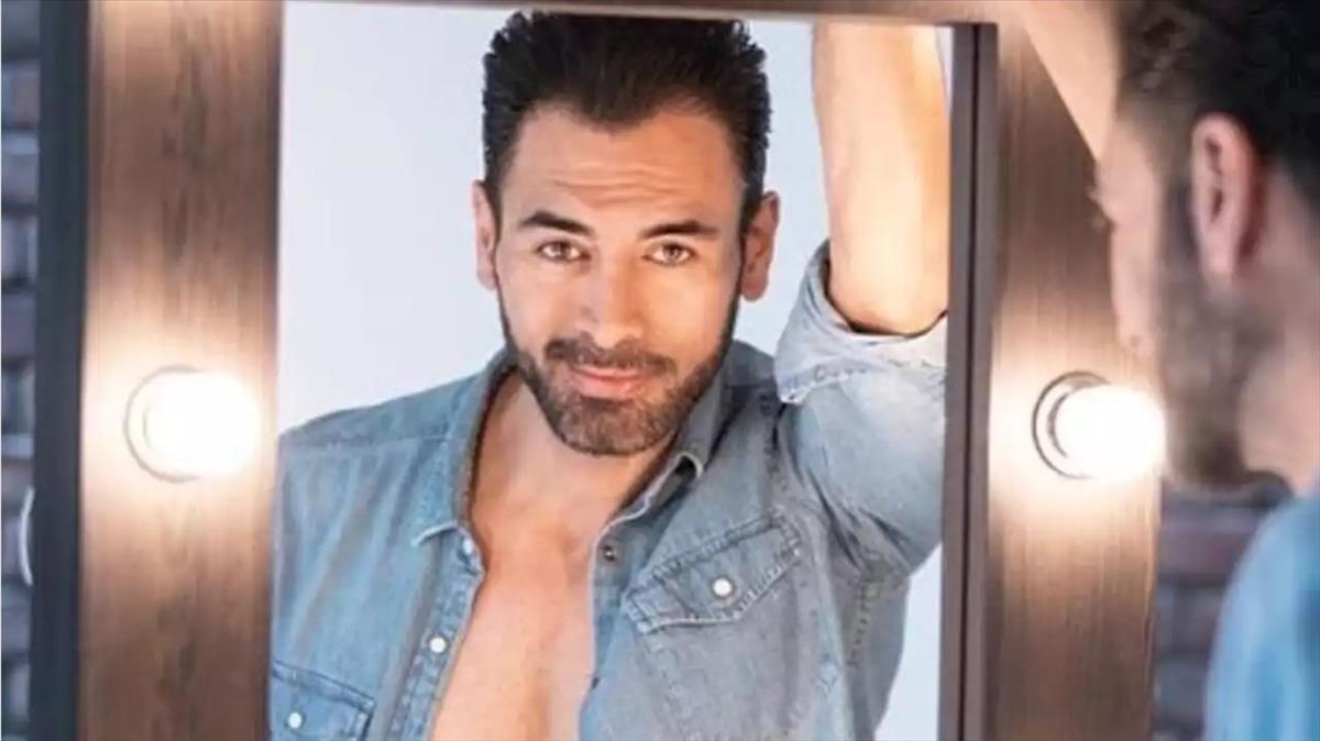El actor mexicano Sebastián Ferrat.