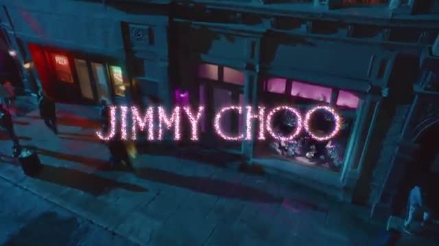 Cara Delevingne protagoniza el anuncio navideño de Jimmy Choo.