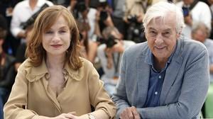 Isabelle Huppert y Paul Verhoeven, en la presentación de Elle en Cannes.