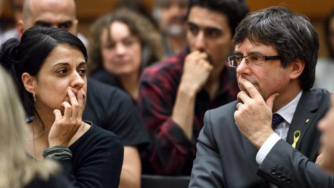 Carles Puigdemont i Anna Gabriel, junts en un acte sobre Catalunya a l'ONU.