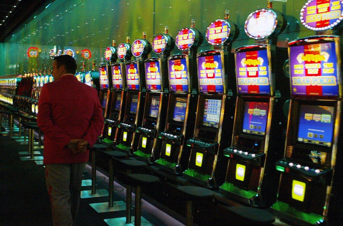 El gobernante indicó que las apuestas en el referido casino se podrán realizar en moneda convertible.