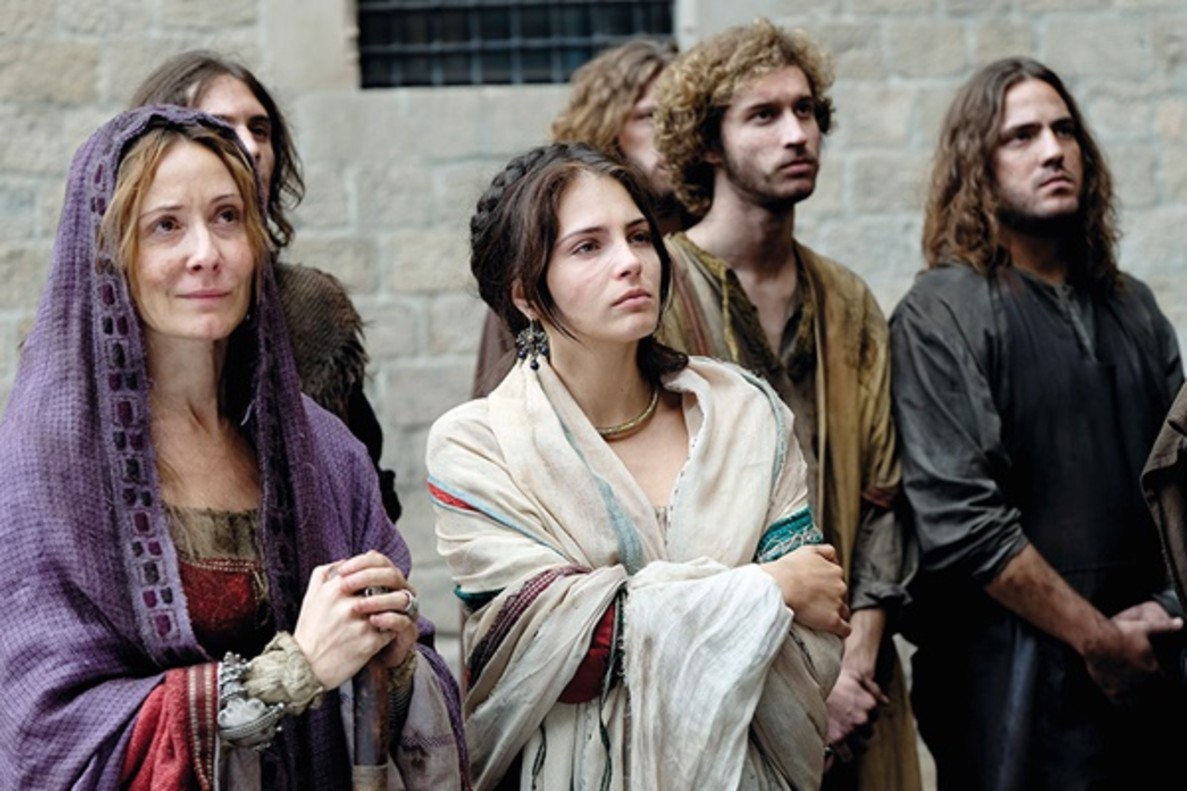 Antena 3 finalmente da descanso a 'La catedral del mar' para no enfrentarla a 'Supervivientes'