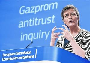 La comissària europea de Competència, Margrethe Vestager, anuncia la demanda contra Gazprom, ahir.