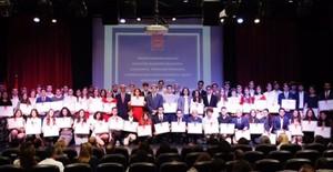 Un estudiant premiat a Madrid avergonyeix el sistema educatiu