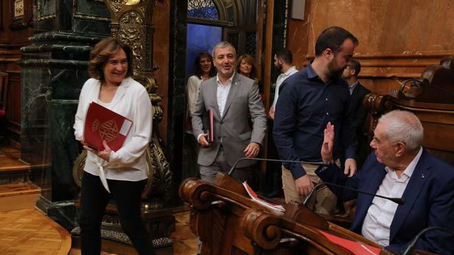 Empieza el pleno sobre seguridad y vivienda de Barcelona.