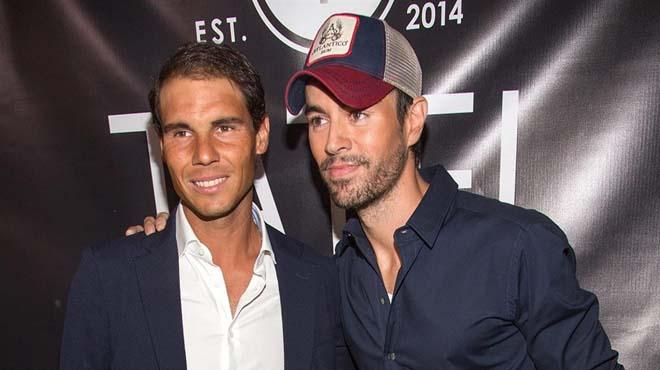 Dos dels nostres famosos més internacionals, el tennista Rafa Nadal i el cantant Enrique Iglesias no han volgut perdres la gran festa dinauguració del seu nou restaurant Tatel a Miami Beach.