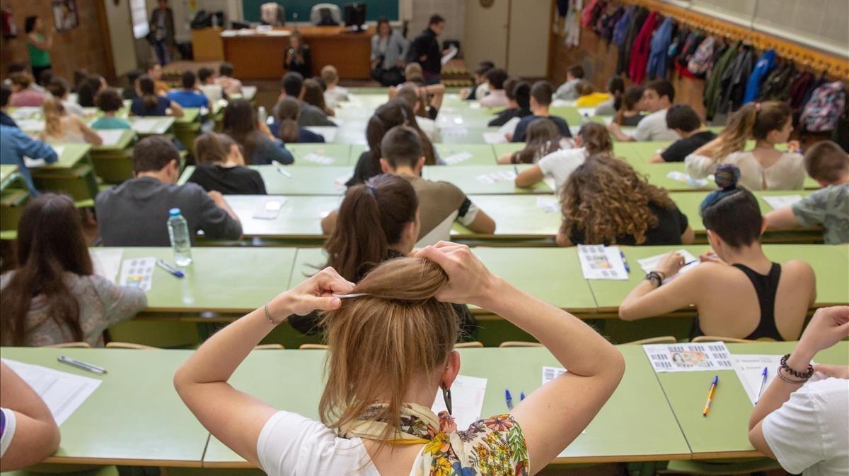 Examen de selectividad en la Universidad de Zaragoza, en una imagen de archivo.