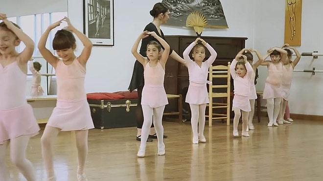 Historias UE. Núria creó una escuela de danza con un microcrédito avalado por la UE.