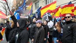 El grup d'extrema dreta Hogar Social s'inscriu com a partit polític