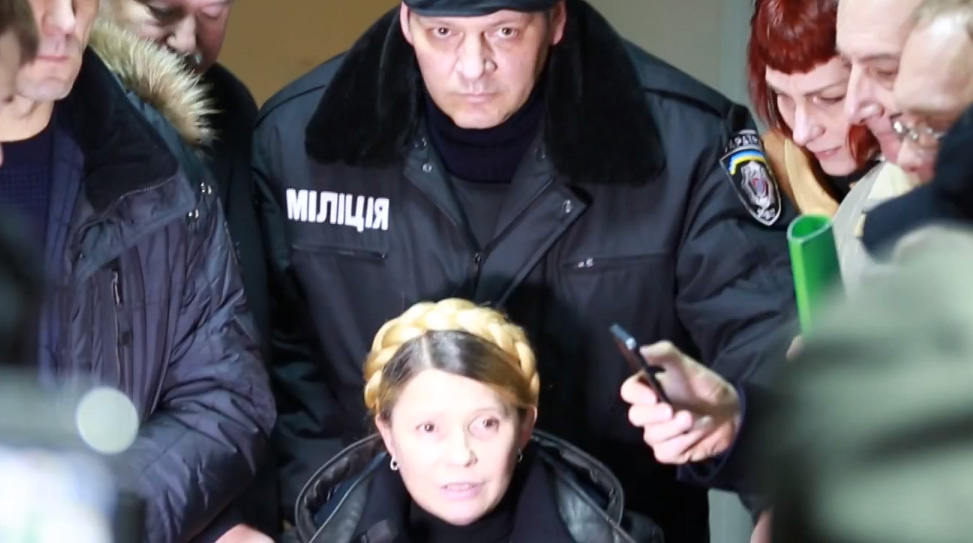 Lexprimera ministra i líder opositora ucraïnesaIúlia Timoixenko, que complia una condemna de set anys de presó per abús de poder, ha estat alliberada.