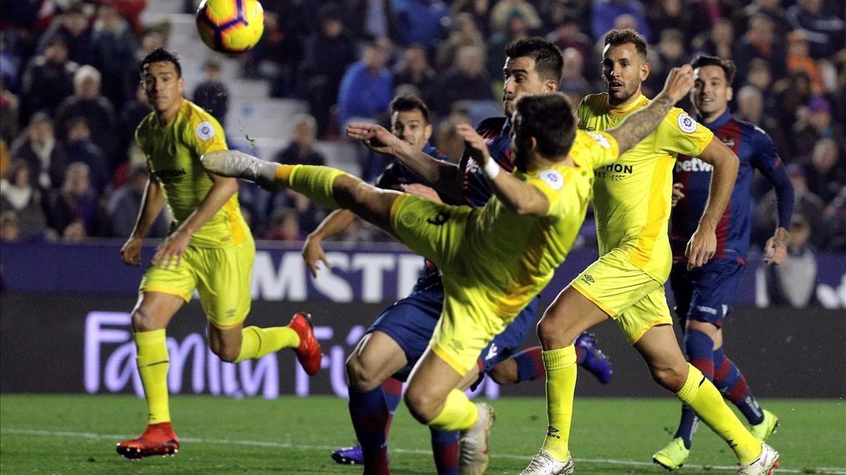 El Girona es deixa dos punts davant d'un Llevant amb 10