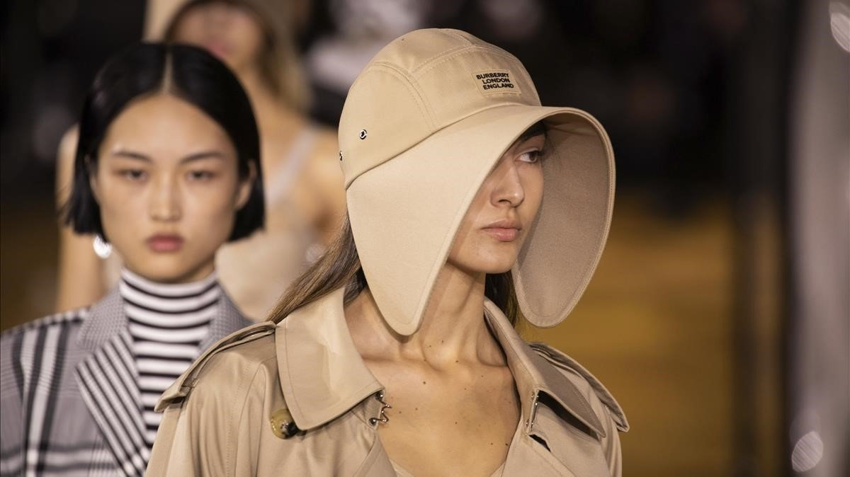 Burberry compta amb Rosalía per a la seva desfilada en la Setmana de la Moda de Londres