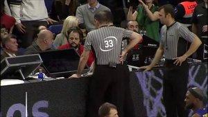 Los árbitros en la final de Copa en Madrid.