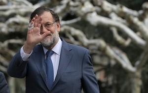 Rajoy avisa a Torrent de que la querella a Llarena puede constituir malversación