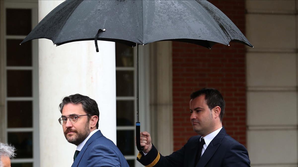 Màxim Huerta llega a la primera reunión del Consejo de Ministros del Gobierno de Pedro Sánchez, el pasado 8 de junio.