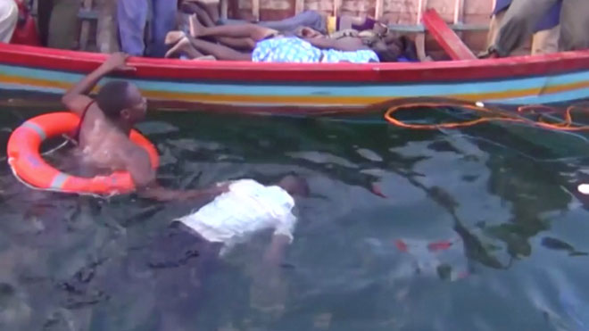 Al menos 86 muertos al naufragar un ferri con más de 300 pasajeros en el lago Victoria en Tanzania.