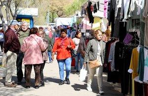 Els mercats ambulants de Sant Boi s'amplien amb 80 parades noves