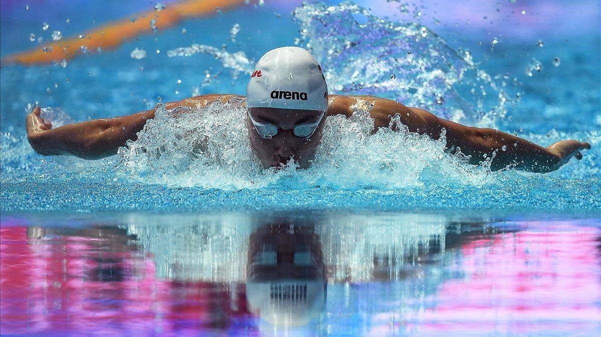 Milak, en la prueba en que batió el récord de 200 mariposa de Phelps.