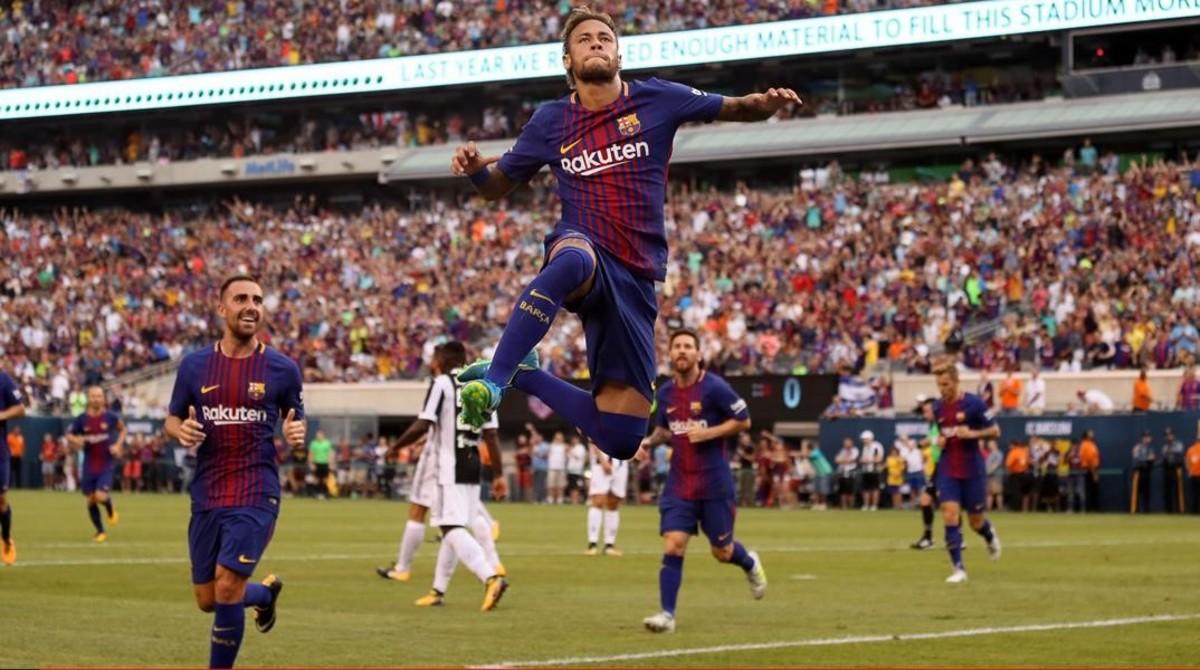 Neymar celebra uno de los goles que marcó a la Juventus.