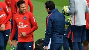 Neymar y Emery, el pasado mes de octubre.