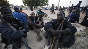 Miembros de un grupo de autodefensa en Nigeria.