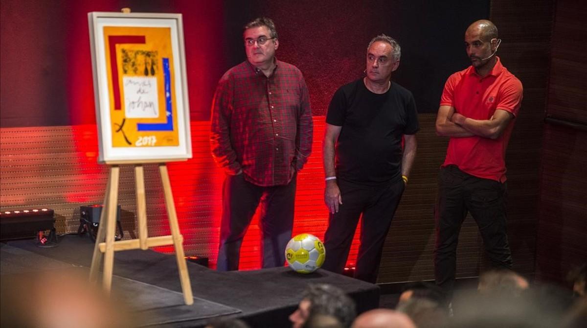 Pàmies, Adrià y Guardiola, en el homenaje a Cruyff.