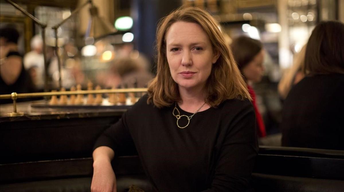 Paula Hawkins, en una imagen facilitada por la editorial Planeta, ya que la autora no quiso ser retratada durante su visita a Madrid para promocionar Escrito en el agua.