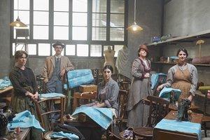 Protagonistas del telefilme Ladona del segle, es una imagen promocional de la producción de Sílvia Quer.