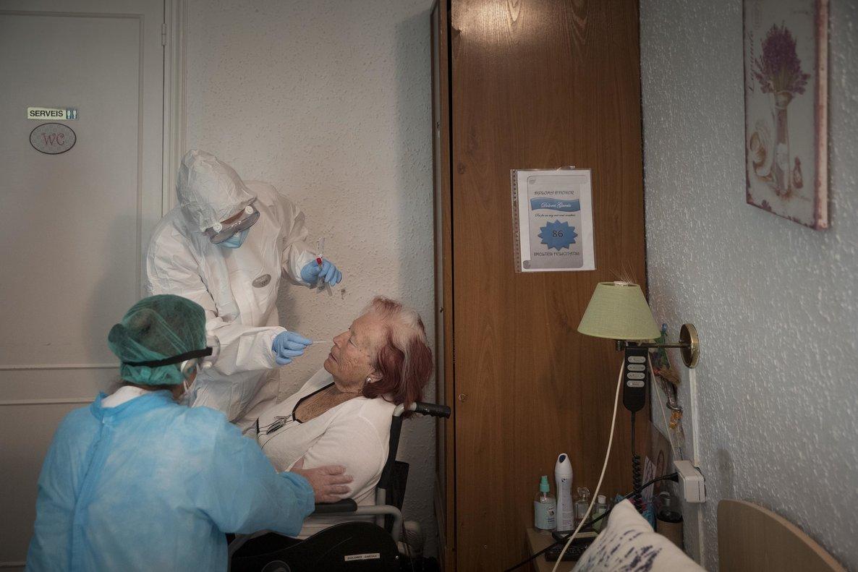 Més de 50 residències d'avis estan en situació greu de Covid-19 a Catalunya